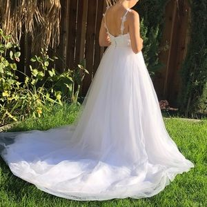 Dresses & Skirts - Beautiful Wedding Dress!